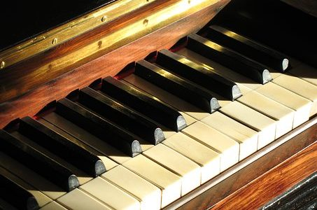 mitos mitos belajar piano