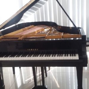Jual piano yamaha c5
