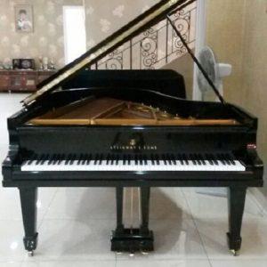 Piano Steinway O-2