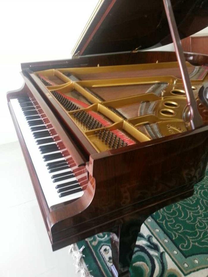 Piano Steinway Type O (Gambar 3)