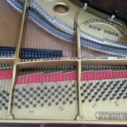 Piano Steinway Type O (Gambar 4)