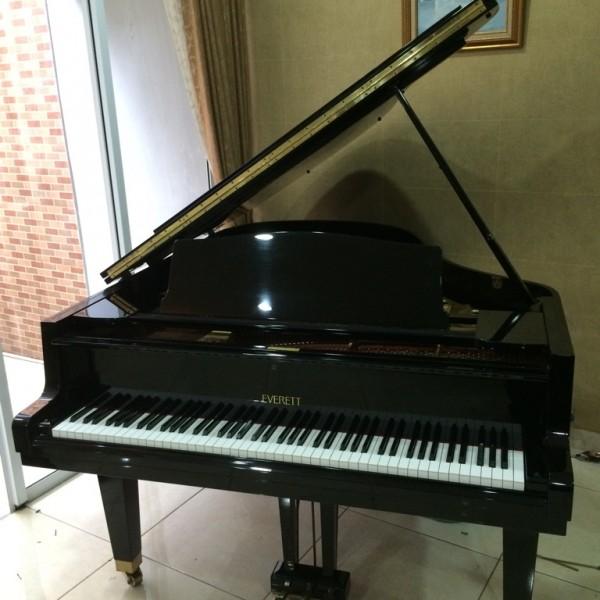 Grand Piano Everett